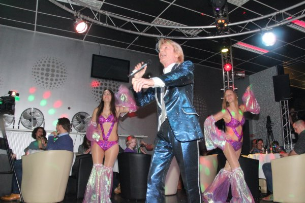 Big ambiance au show Philippe Leroy, alias Cloclo du 15 novembre au Flash Back Club