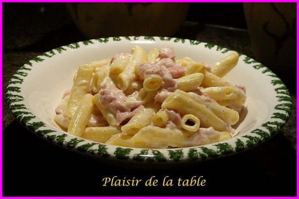 "KITCH ACTU - Soirée : ""Macaroni jambon fromage"" + Notre chanteuse SABINE !"