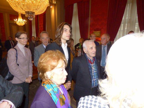 Visite de Charles Aznavour au Sénat - 16.11.2015 - Nico était de la partie !!!