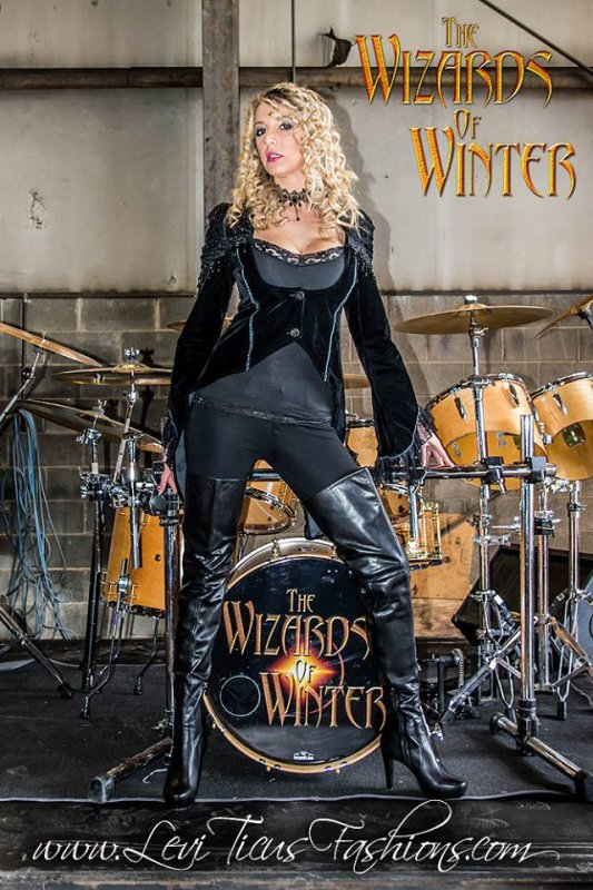 At the discovery of Shawna Marie : singer / performer of The Wizards of Winter