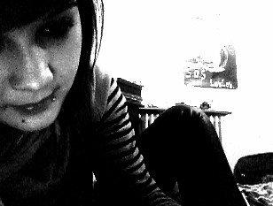 Ma peau sera bruler par tes larmes , mais je préfere souffrir ..