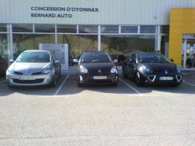 Voila la Clio RS3 320cv,la twingo gt,toute les 2 vendus.Snnnnnniiiiiiiiiiffffffff.La renault wind sport prend la place.