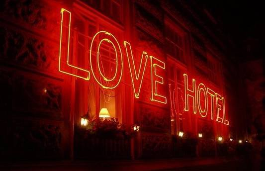Les love Hotel