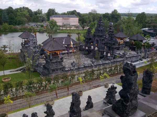 ~THE KINGDOM OF GANESHA~ *Indonesian garden in Europe*