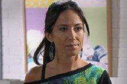Samia fait le grand écart entre travail et vie de famille
