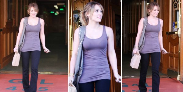 Leaving a Medical Building in Beverly Hills ♥ ---{26/08/2010}---♥