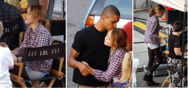 Miley on the set of her new movie LOL (Laughing Out Loud)  ♥---{27/08/2010}---♥