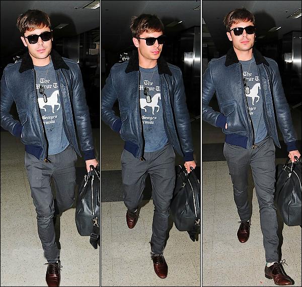 Zac qui entre en mode promo, en passant par l'aéroport LAX de Los Angeles le 28 novembre.