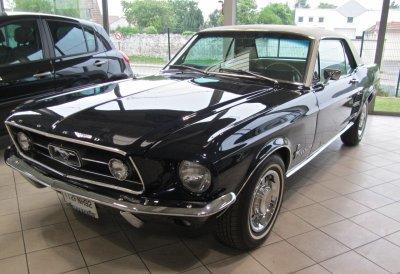 Voici ma Mustang qui m'attend au garage !