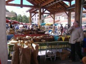 Le marché du dimanche...à Vorey sur Arzon
