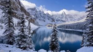 trop beau les montagne enneigé