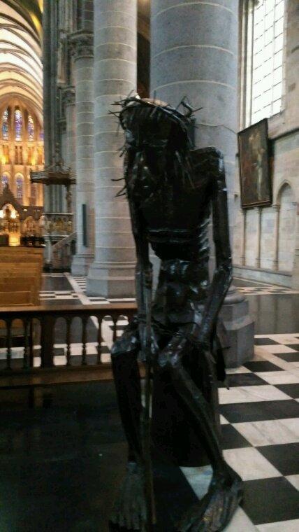 Cathédrale Ypres ( Belgique )