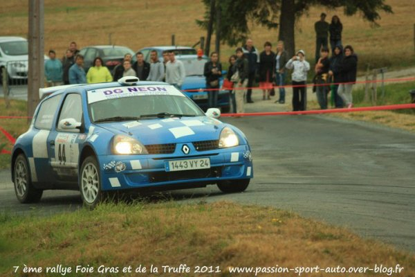 "Fred Lacoste et Nico Riboulet "" CLIO MAXI F2000 """