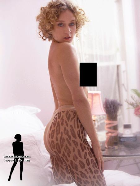 Chloë Sevigny pose seins nus !Une de plus... Voir l'original