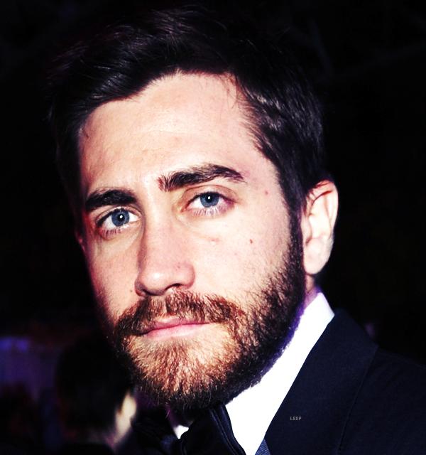 Jake GyllenhaalMerde! Enlève-nous cette barbe Jake !