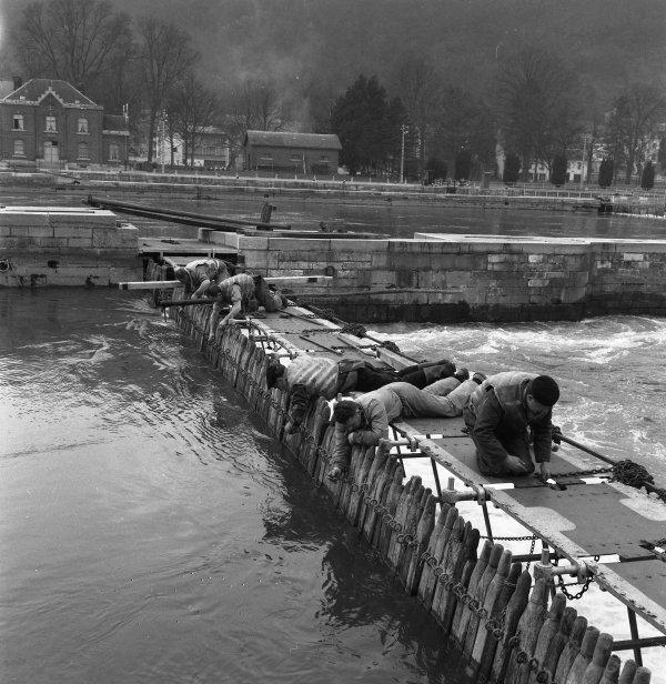 Namur  -  Barrage de La Plante en 1958  &  écluse de La Plante, années 1960... ;)