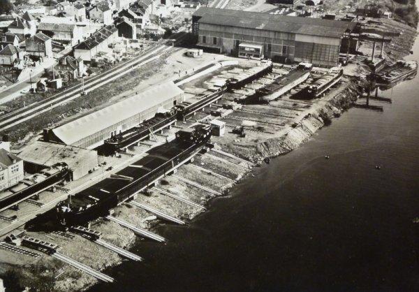 BEEZ (Namur)  le chantier naval