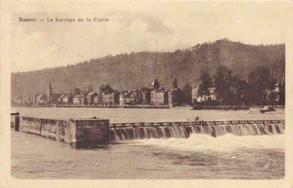 NAMUR , la Meuse et le barrage à La Plante.