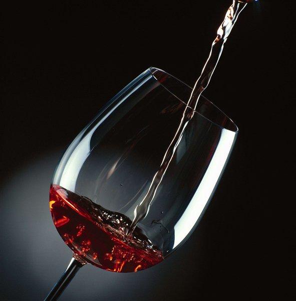 La jeunesse est une ivresse sans vin et la vieillesse un vin sans ivresse.