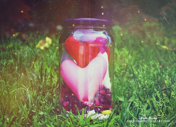 Mon coeur, si doux à prendre Entre tes mains, Ouvre-le, ce n'est rien Qu'un peu de cendre.