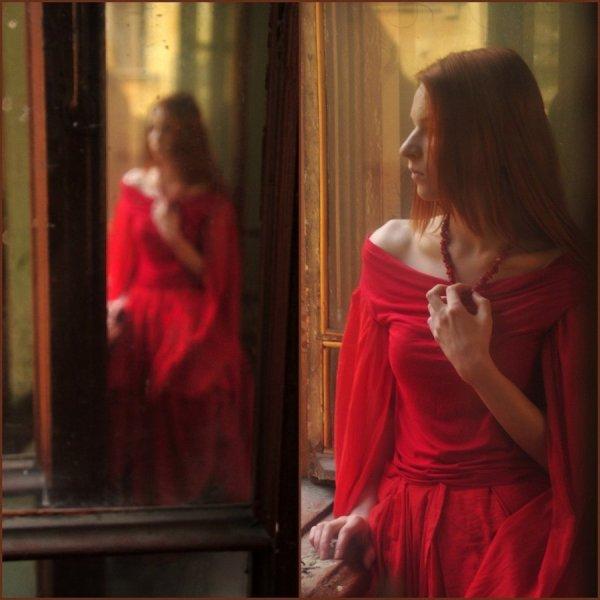 Une femme a besoin de se sentir présente dans le coeur d'un homme, vibrante et croissante ; le regard de l'homme qui l'aime, c'est pour elle le soleil, l'air, l'ombre et la pluie.