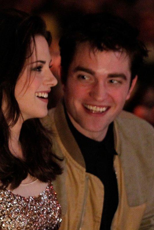 wow on voit dans son regard combien il laime :O je suis jalouse :)