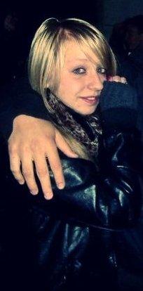Coralie agée de 14 ans, en couple & sur facebook :)
