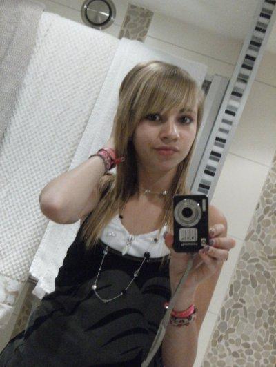 Ashley :: 17 ans et CELIBATAIRE !