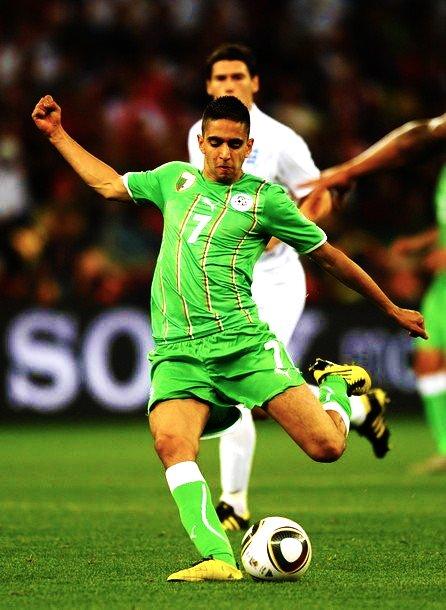 Ryad Boudebouz, étoile montante du football algérien.