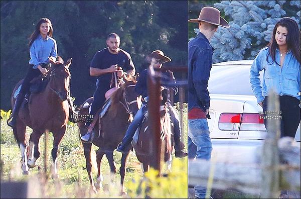 # 28/08/14 - Selena Gomez et Justin Bieber faisaient une balade à cheval au Canada.  #