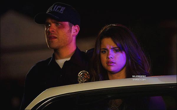 Découvrez enfin un nouveau still de - Selena Gomez pour le film Behaving Badly.