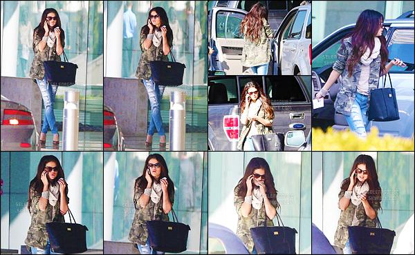 08/01/13 - La jolie Selly' Gomez a été vue se rendant au « Creative Artists Agency » situé à Century City ! Et c'est dans une tenue assez sobre - que Selena s'y est rendue ! C'est un top' selon moi, j'aime également beaucoup les lunettes qu'elle porte. [/alig fen]