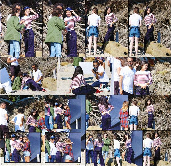 14/07/15 - Miss Gomez a été photographiée sur le set d'un photoshoot se déroulant à Malibu en Californie ! Aucune information n'a été divulguée par rapport à ce shooting, mais nul doute que les clichés seront sublimes ! As-tu hâte de découvrir les photos ?! [/alig fen]
