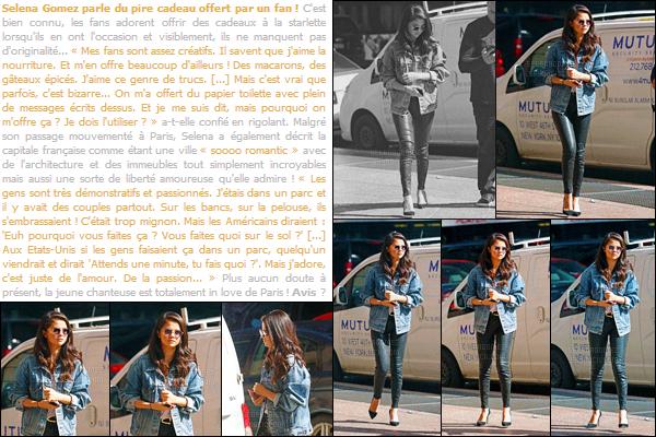 11/10/15 - Selena G. a été vue par des pap's en se promenant toute seule dans les rues de New-York ! Première sortie à New-York depuis son arrivée. Je trouve que sa tenue est (trop ?) simple, mais jolie tout de même ! Et toi, tu aimes son look ?[/alig fen]