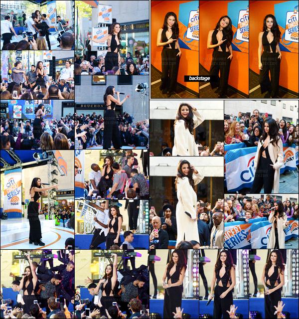 12/10/15 - Miss Selena était l'invitée du jour du « The Today Show » une émission matinale, situé à NY. Voilà donc qui explique ce séjour à New-York : promo tiiime. Pour l'occasion, Selena a donné un mini concert avec une performance en direct ![/alig fen]