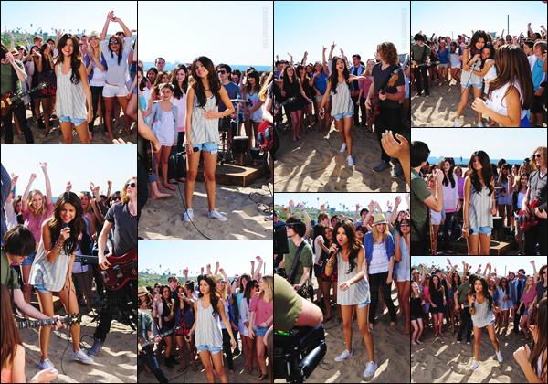 13.02.11 - Selena a été aperçue en plein tournage d'un clip pour un titre nommé Who Says à Los Angeles, (CA). [/s#00000ize]Cette chanson a une signification si particulière pour l'artiste qu'elle figure à l'heure actuelle sur la setlist du Revival Tour, des années après sa sortie ![/alig fen]