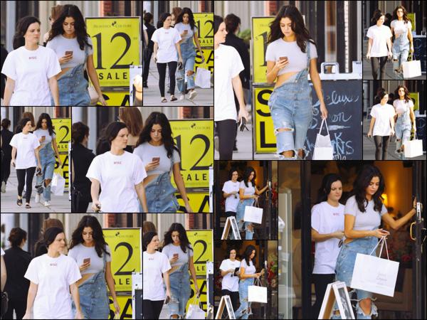 """"""" _'• 11.02.17  '"""" ─ S. Gomez a été repérée en train de faire une séance shopping encore et toujours dans Los Angeles, CA.Une sortie plutôt basique pour notre Selena qui s'octroyait un peu de temps dans une tenue assez décontractée, idéale pour le shopping !  """""""