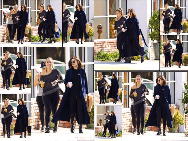 """"""" _'• 07.03.17  '"""" ─ S. Gomez a été aperçue allant déjeuner en compagnie d'une de ses amies à Los Angeles, en Californie.Une fois de plus la jeune chanteuse porte un long manteau pour compléter son look. Bien que la tenue soit trop sombre j'aime beaucoup !  """""""