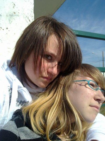 moi et ma mini blondasse ^^ (l)