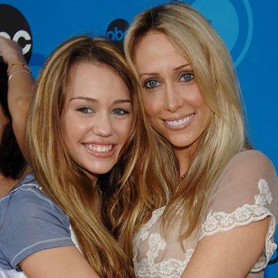 Mileycyrusfanblogs blog page 7 mileycyrusfanblog skyrock miley cyrus ist einer der reichsten teenager der welt d an das geld kommt sie jedoch noch nicht ran 8 p ihre mutter tish cyrus hat das vermgen ihrer altavistaventures Gallery