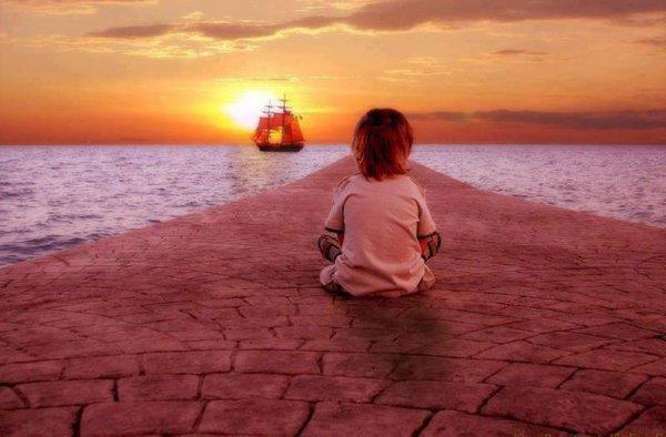 Combien de bateaux sont partis sans nous? Combien de vies rêvées nous ont laissé au bout du quai? Quelle est la valeur réelle de ce qu'on n'a pas vécu? Rien. Il nous reste la vie, c'est à dire tout.