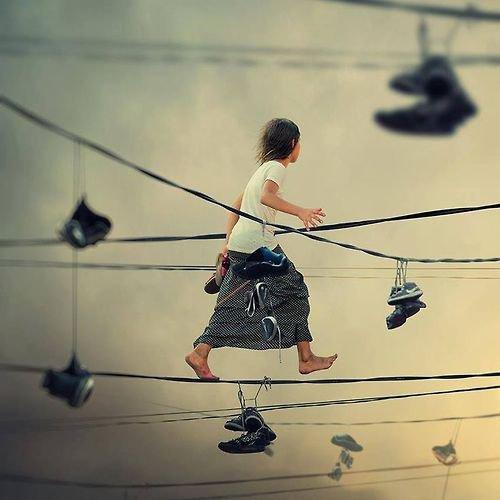 On passe une bonne part de sa vie à errer afin de trouver chaussure à son pied.