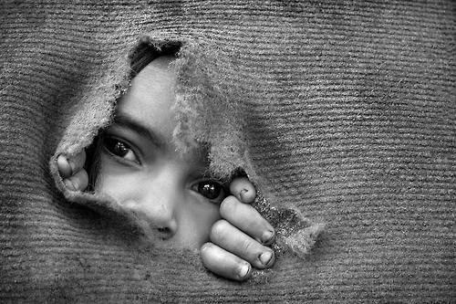 On apprend à tout âge. D'abord on apprend à s'émerveiller, puis à savoir et à faire, puis à douter, puis à espérer, puis à vivre avec tout ça.