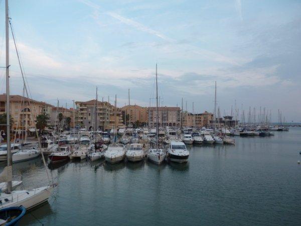 Le port de Fréjus.