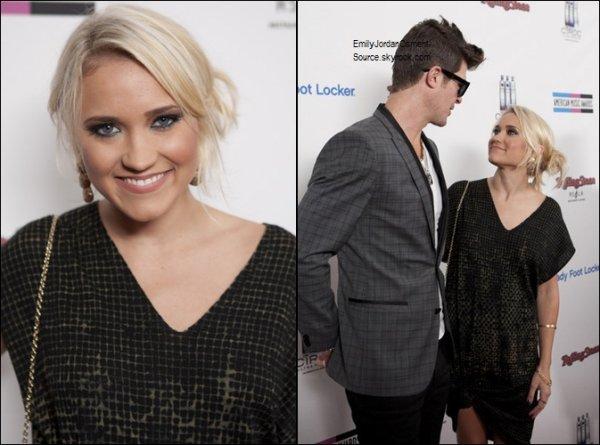 """Dimanche 20 Novembre : Emily était présente aux """"Rolling Stone 2nd Annual AMA After-Party"""" à Los Angeles."""