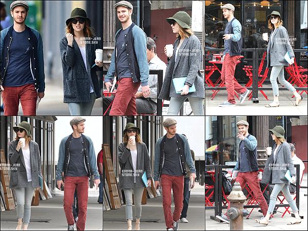 21.05.2014:  Petite sortie en amoureux pour Andrew G. et Emma S. un café à la main, dans New York.  Ils sont tellement adorables tout les deux. - Très beau top pour miss Emma, tenue simple mais classe, j'aime beaucoup.