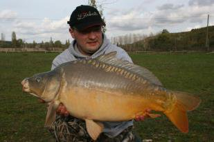 SEBASTIEN MASCLET TEAM LOIRBAITS (petite session au lac de lepinet)