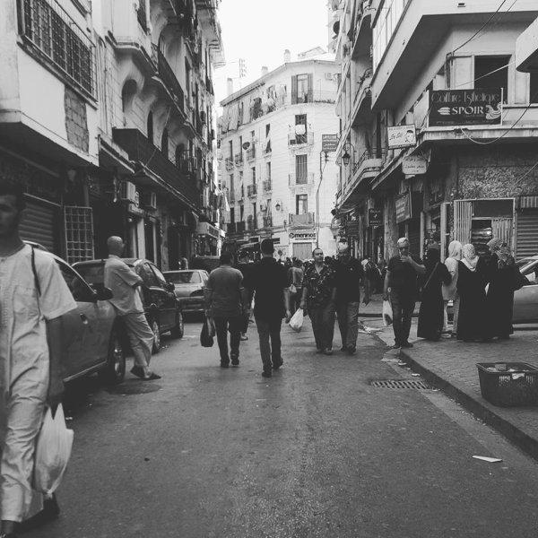 rue Ferhat Boussad (ex.Meissonier) à Alger (cne de Sidi-M'hamed)