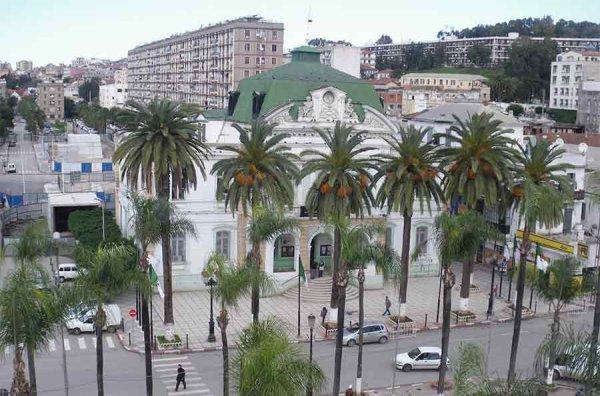 El-Harrach (ex.Maison-carré)un quartier populaire à l'Est d'Alger.