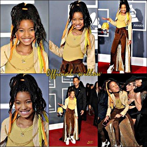 Willow Smith était présente avec toute sa famille aux Grammy Awards dans L.A.La nouvelle ne tombe pas tout juste mais le sujet est encore récent. Les Grammy Awards 2011 sont toujours d'actualités et encore plus quand il s'agit de Lady Gaga et Willow Smith avec leur style jaune.